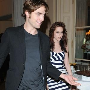 Robert-Pattinson-and-Kriste.jpg