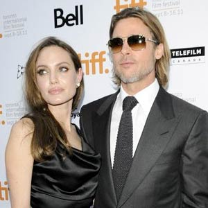 Angelina-Jolie-with-Brad-Pitt.jpg
