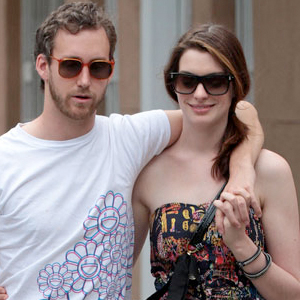 Anne-Hathaway-wants-to--gets-pregnant.jpg