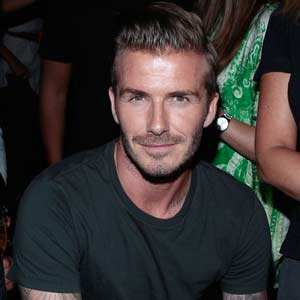 DAVID-BECKHAM-EYES-JAMES-BOND-CAR.jpg