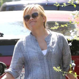 REESE-WITHERSPOON-SELLING-OFF-WEDDING-SITE-RANCH.jpg