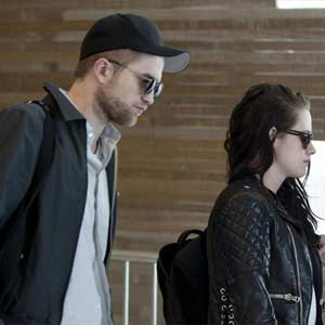 Robert-Pattinson-and-Kristen-Stewart.jpg