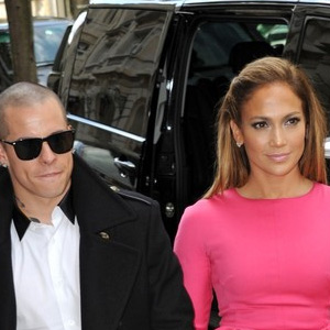 Jennifer-Lopez-and-boyfriend-Casper-Smart.jpg