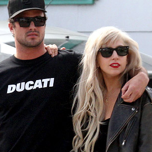 Lady-Gaga-and-Taylor-Kinney.jpg