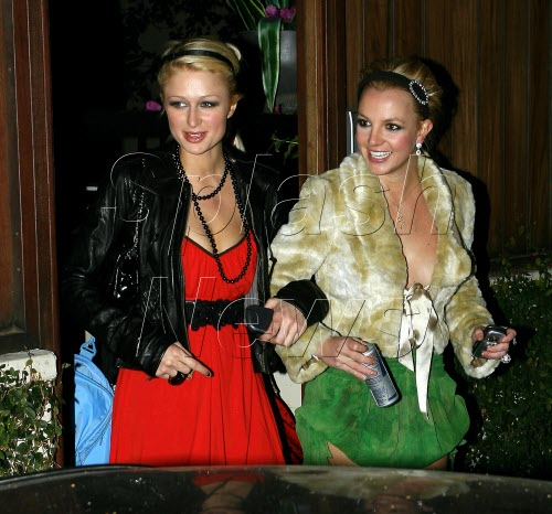 Paris Hilton and Britney Spears hit nightclub