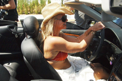 Britney%20Spears%20cruises%20along%20Sunset%20Boulevard%20in%20West%20Hollywood%2C%20Ca.jpg