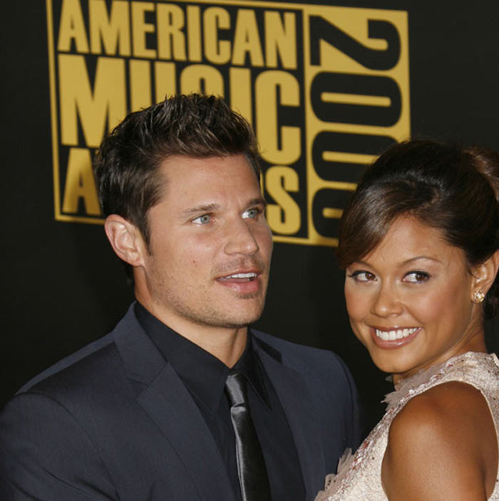 Nick Lachey and Vanessa Minnillo attend the 2008 American Music Awards