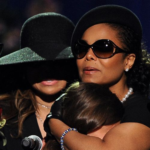 Janet Jackson vows to wear black for a year