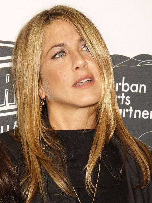 JENNIFER%20ANISTON.jpg